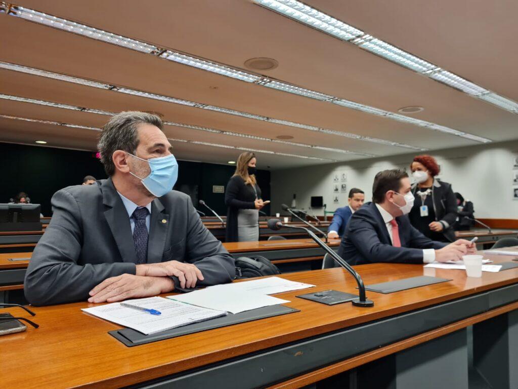 Enio Verri defende quebra de patente para vacina