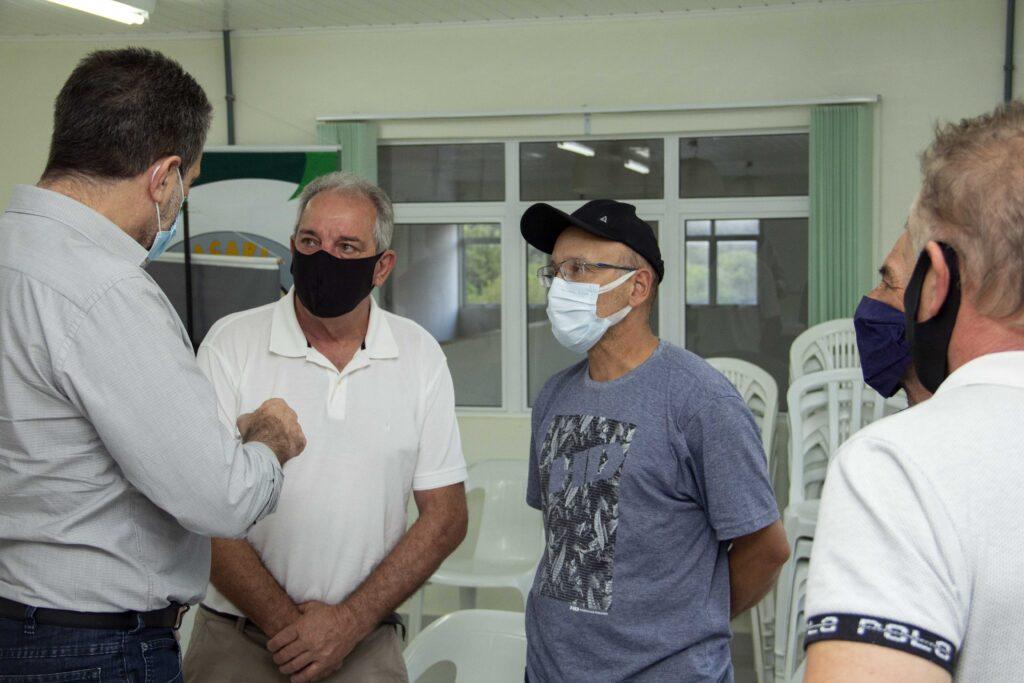 Crise política e econômica é discutida em Rio Branco do Sul