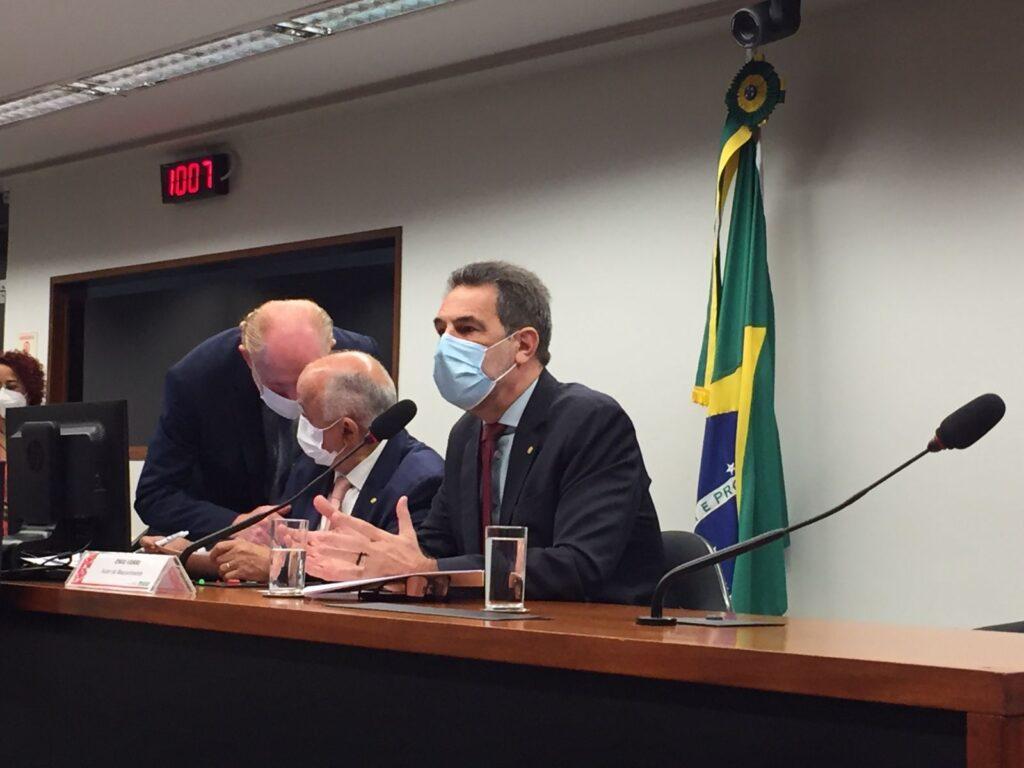 CFT debate inflação no Brasil