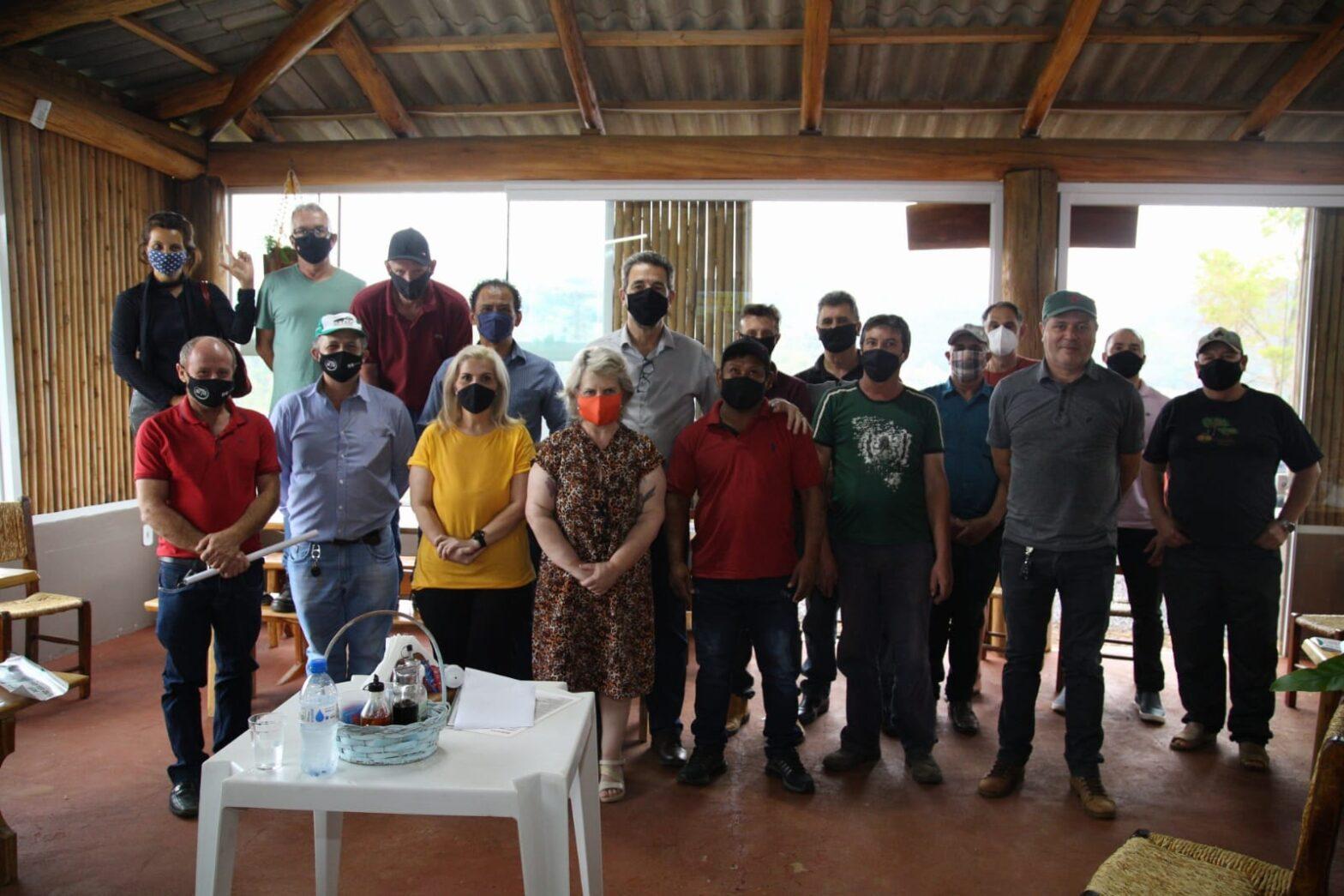 Laranjeiras do Sul O grupo formado por professores universitários